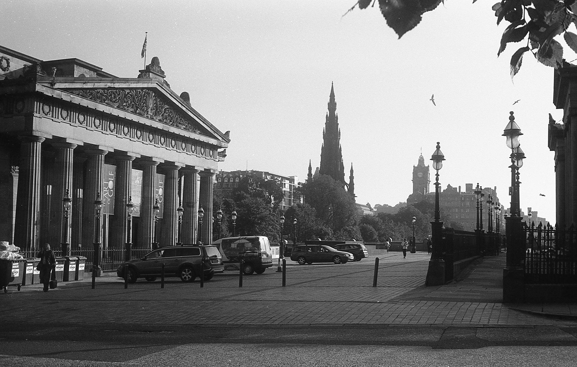 # 1 Edinburgh / Stirling – Scotland